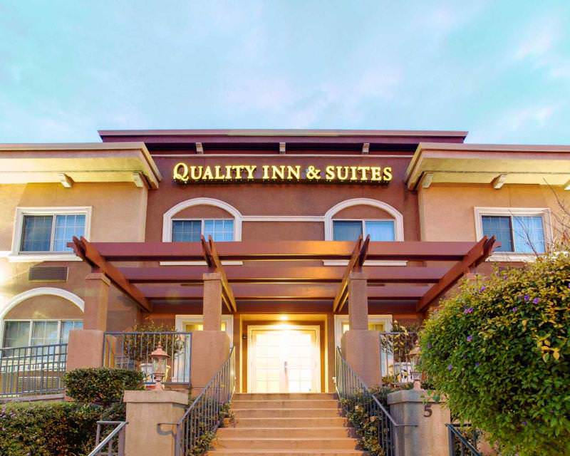 Quality Inn & Suites-Mountain View