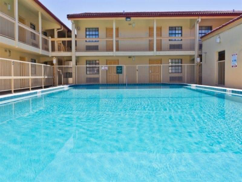 Baymont Inn & Suites Jacksonville Orange Park