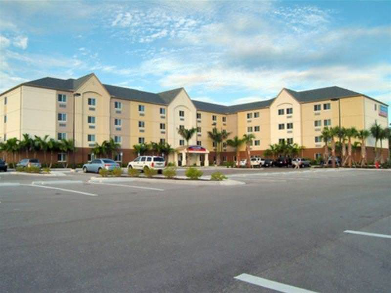 Candlewood Suites Fort Myers Sanibel Gateway