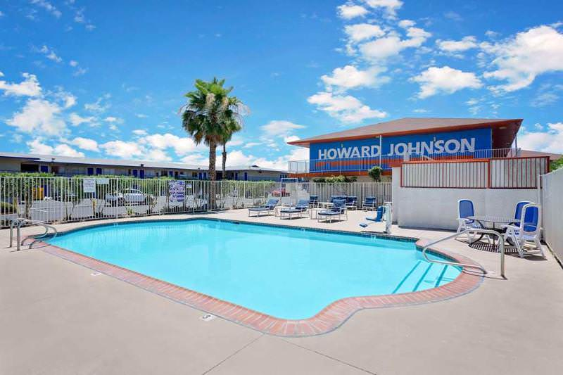 Howard Johnson on East Tropicana, Las Vegas Near the Strip