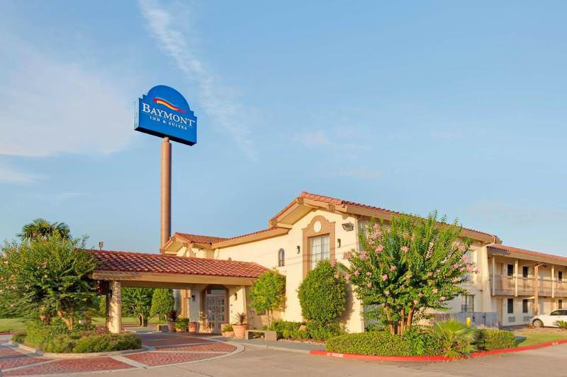 Baymont Inn & Suites Houston I-45 North
