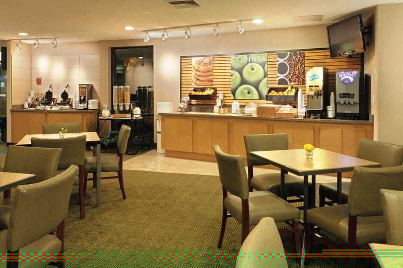 La Quinta Inn & Suites Seattle Sea-Tac